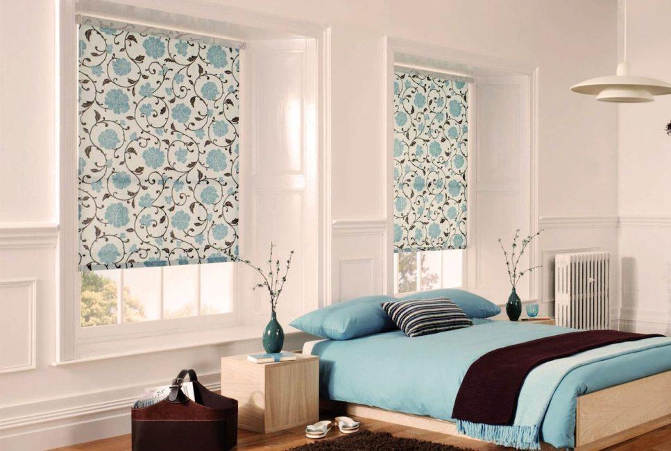 Рулонные шторы помогут придать разнообразие интерьеру