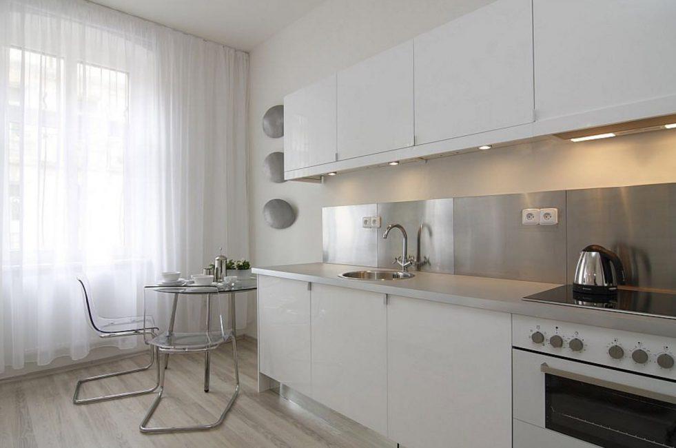Тюль для панорамного окна на кухне