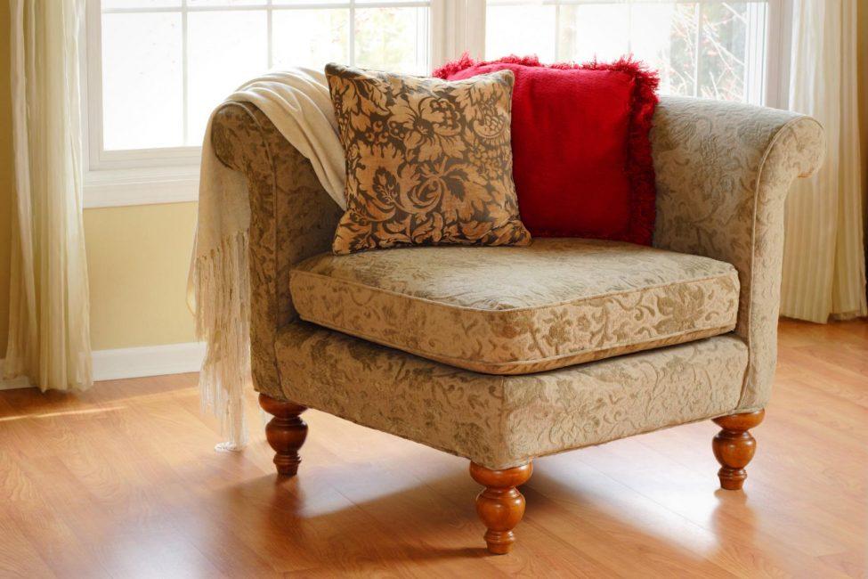 Релаксация с помощью углового кресла