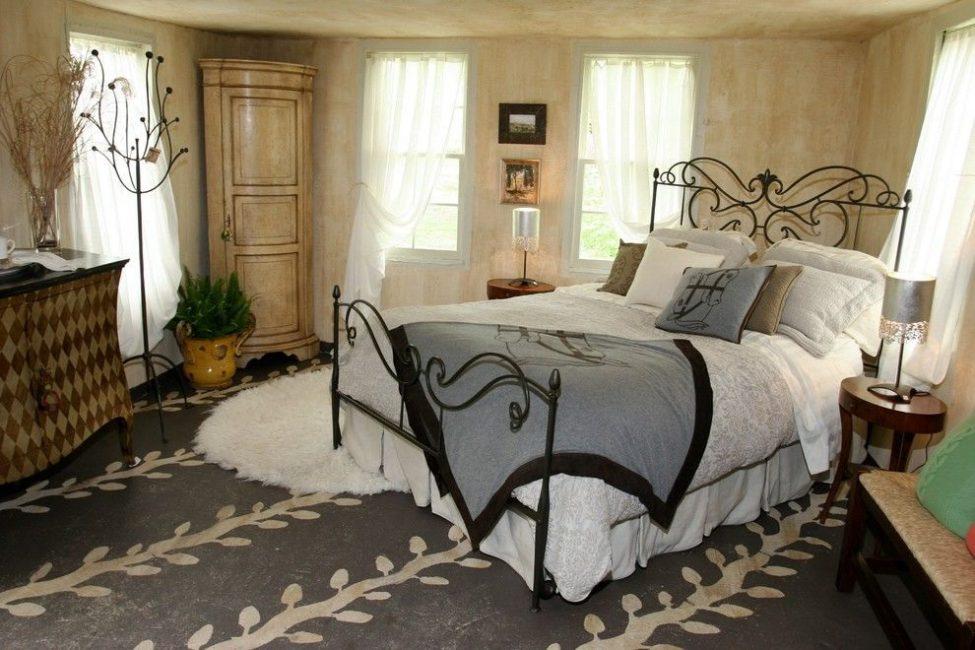 Свободное пространство вокруг кровати