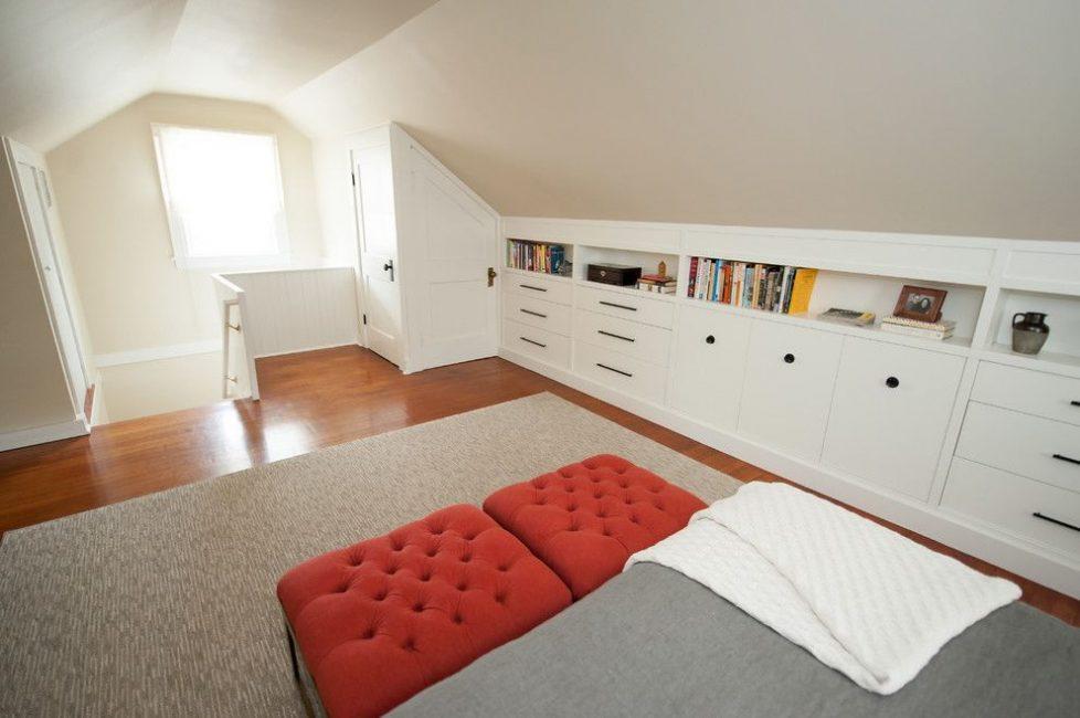 Не легкое пространство для мебели