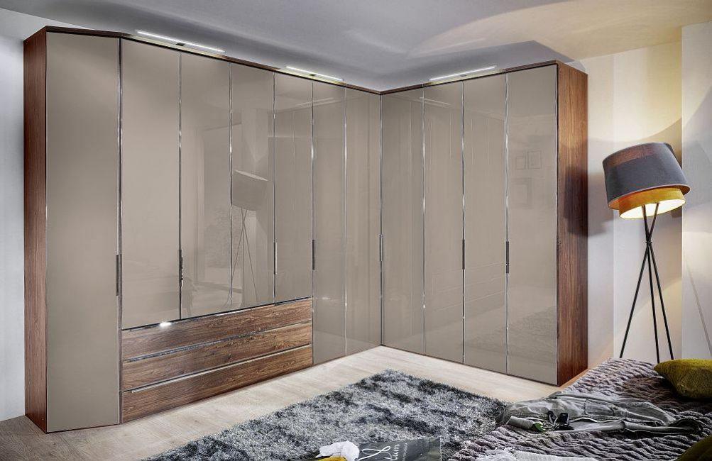 Шкаф для размещения всех видов одежды