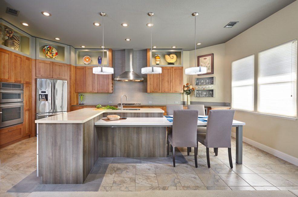 Декорирование кухни с помощью дерева - это отличное дизайнерское решение всегда в тренде