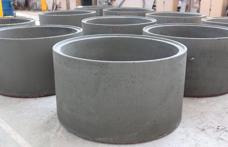 Из бетонного кольца