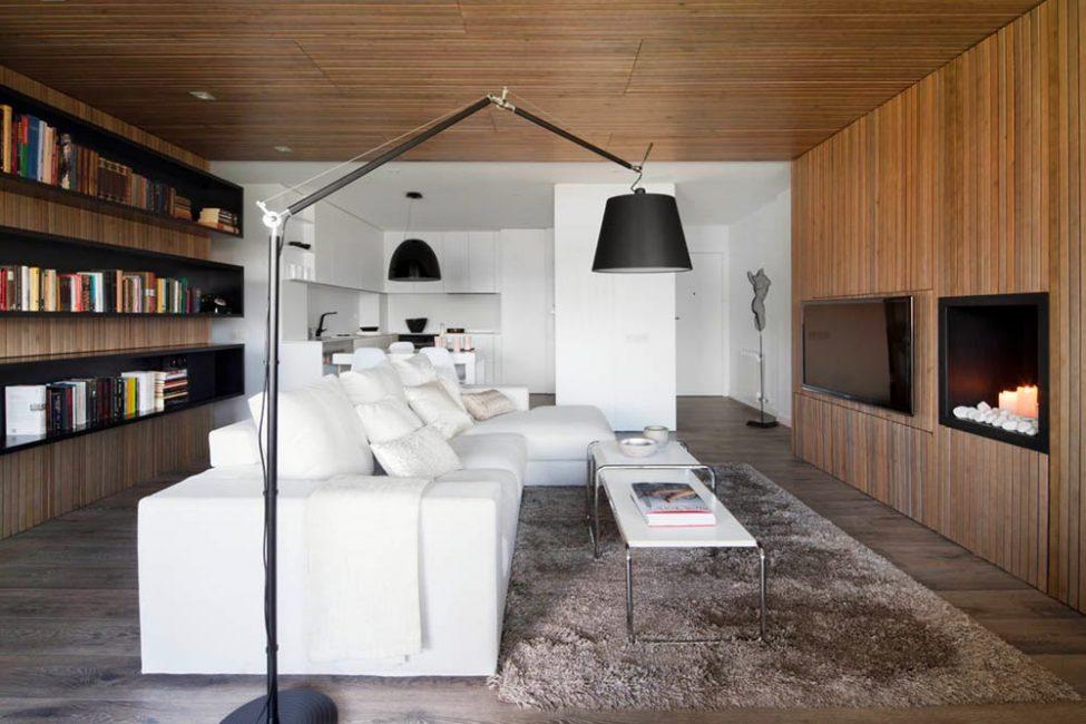 Интерьер гостиной с использованием природных материалов