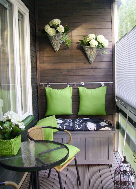 Любой балкон можно превратить в функциональное пространство