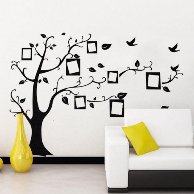 Панно в виде дерева с семейными фотографиями