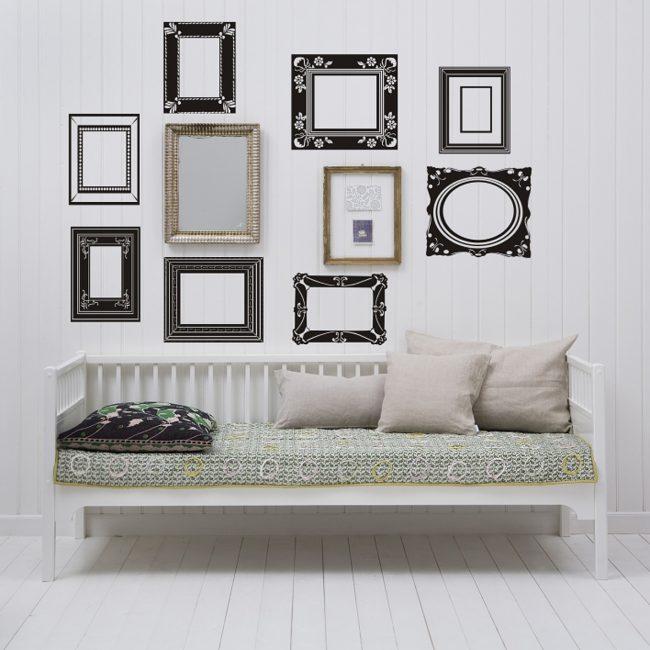Украсьте стену в прихожей, сделайте ее интересней