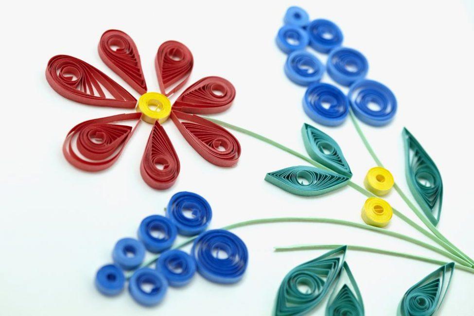 Kvilling-5-975x650 Цветы в технике квиллинг. Цветы из квиллинга