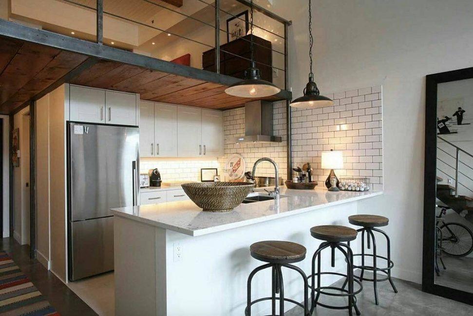 Кухня Loft-style отличается грубой отделкой стен