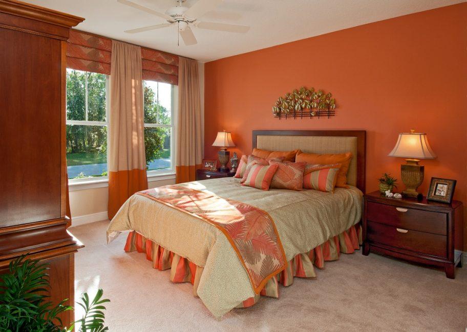 Оранжевый в сочетании с коричневым