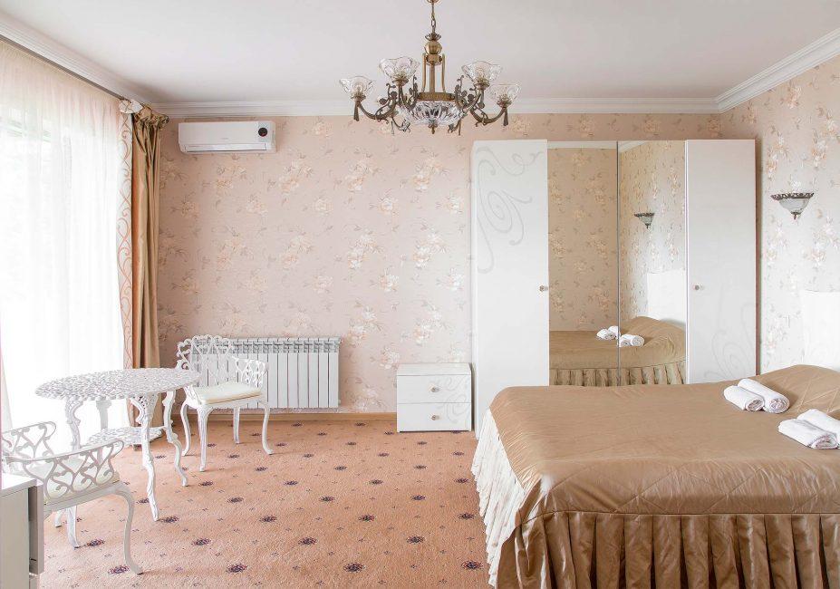 Используйте только белый цвет в окрашивании потолка