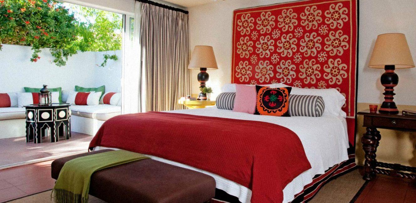 Красивый подголовник кровати