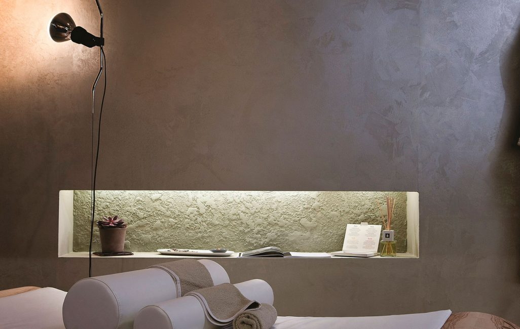 Создает для гостиной, спальни мягкую, земную текстуру