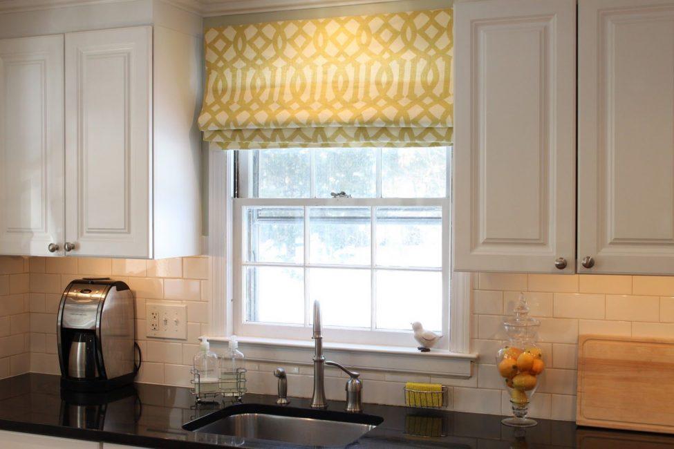 Римские шторки на кухню