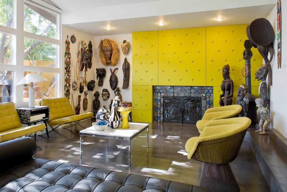 Интересный подбор аксессуаров в африканском стиле