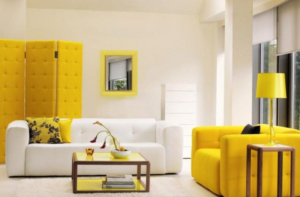 Желто-белая комбинация