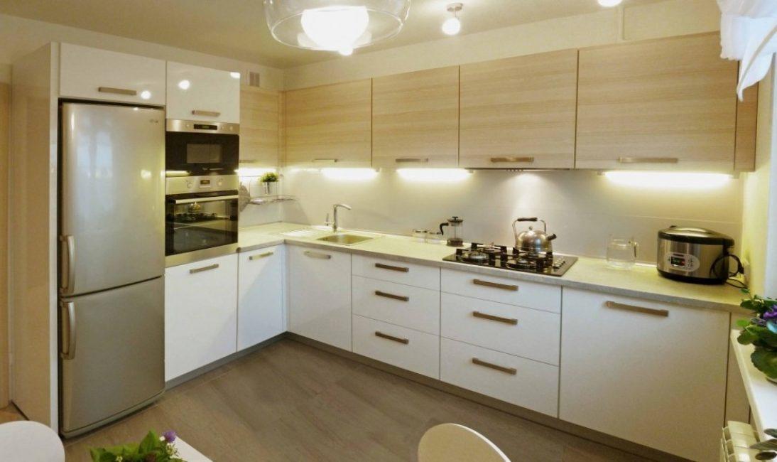 В маленькой кухне предпочтение отдается Г-образной планировке
