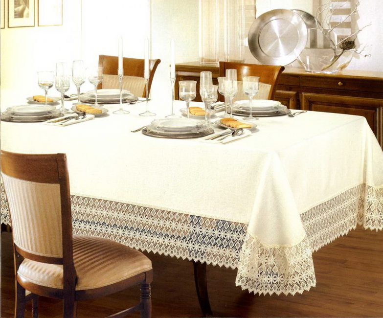 Лучше всего выбирать текстиль с добавкой из синтетики