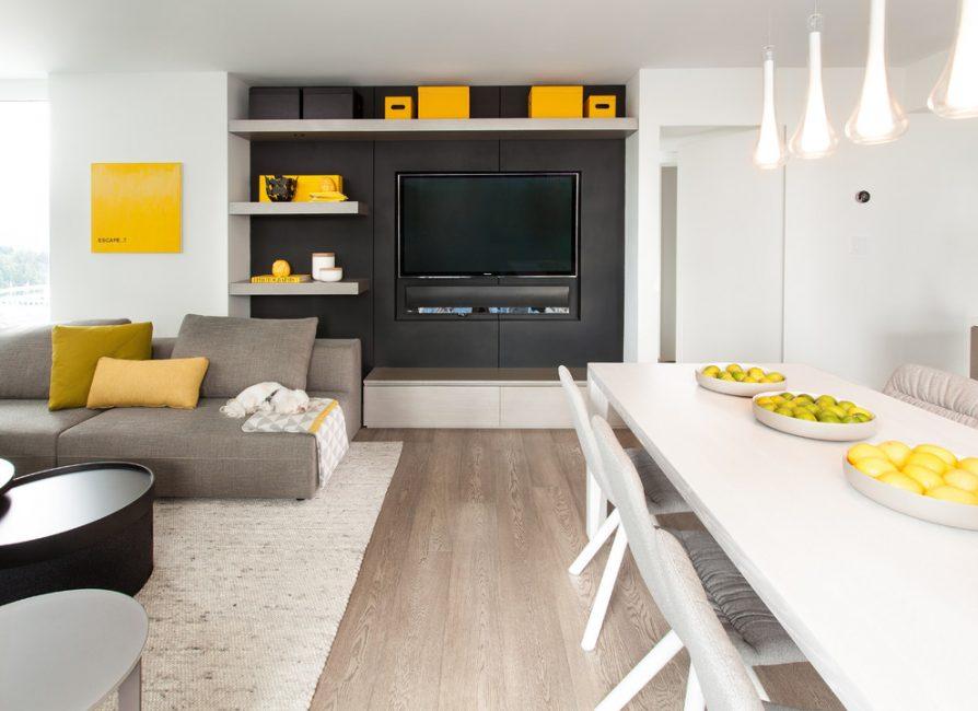 Основная часть гостиной – это мебель