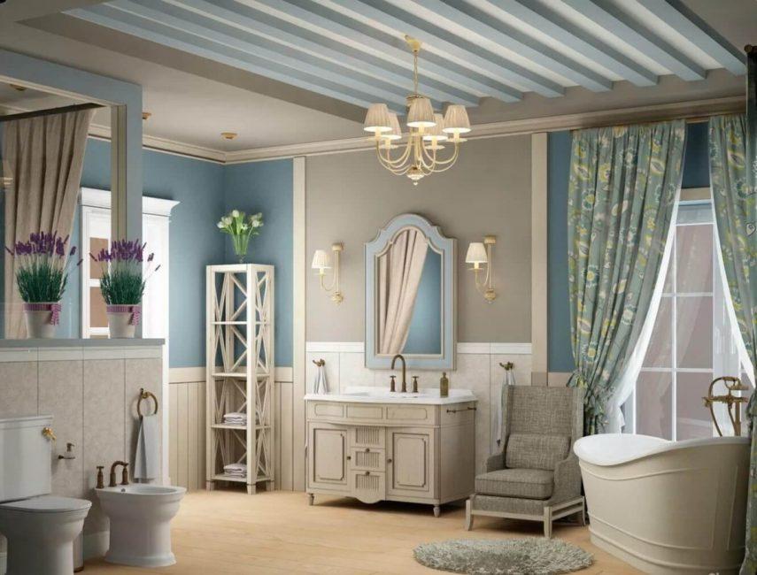 Прочная мебель может быть полностью деревянной или иметь стеклянные элементы