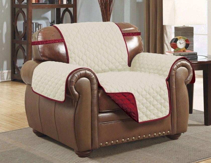 Особенности накидок для диванов и кресел, их разнообразие