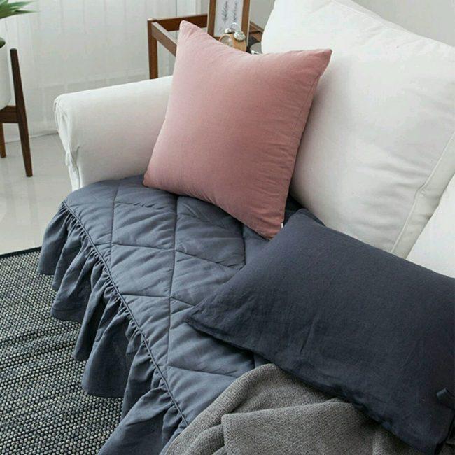 Идеальный вариант для белого дивана