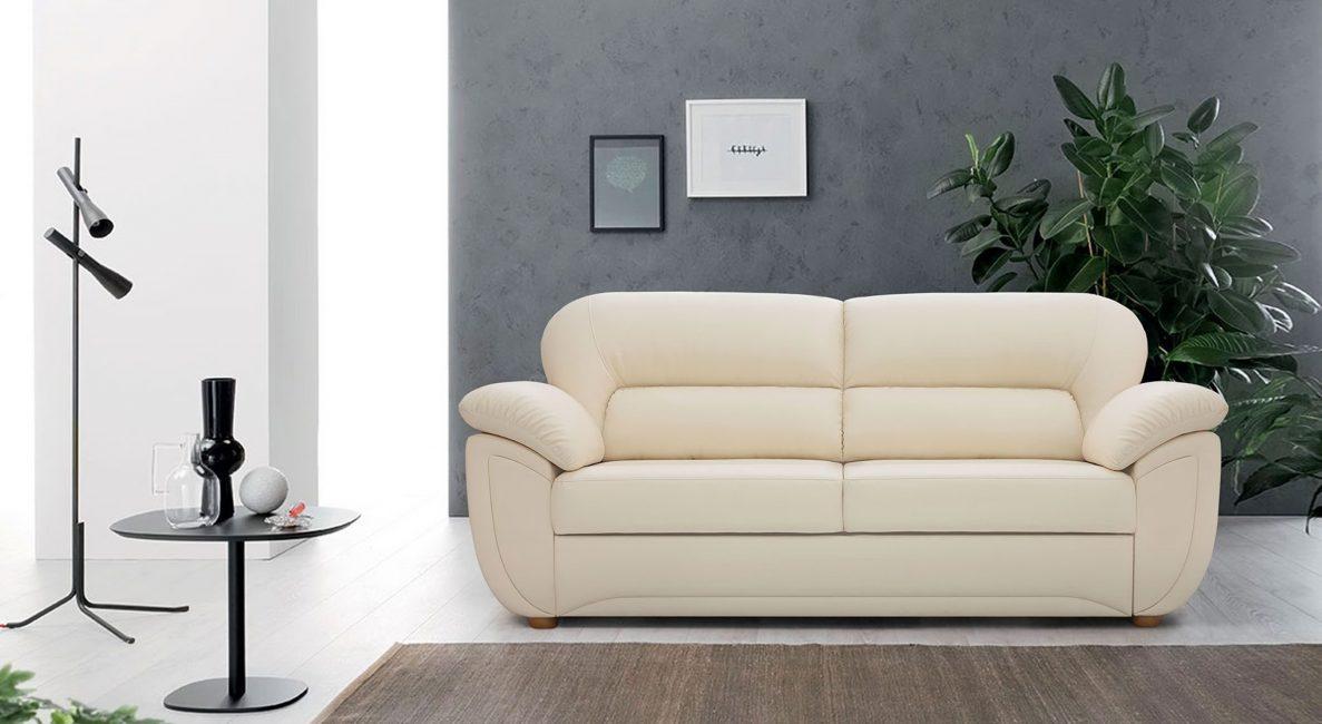 Кожаный диван в бежевом цвете
