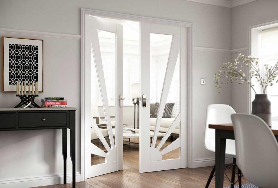 Классические двери для гостиной