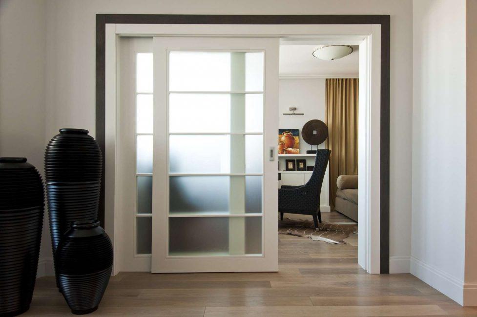 Функциональные двери-купе для любой комнаты