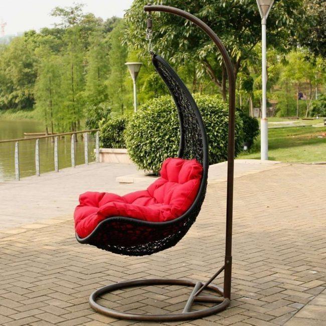 Универсальная модель в виде кресла-качели