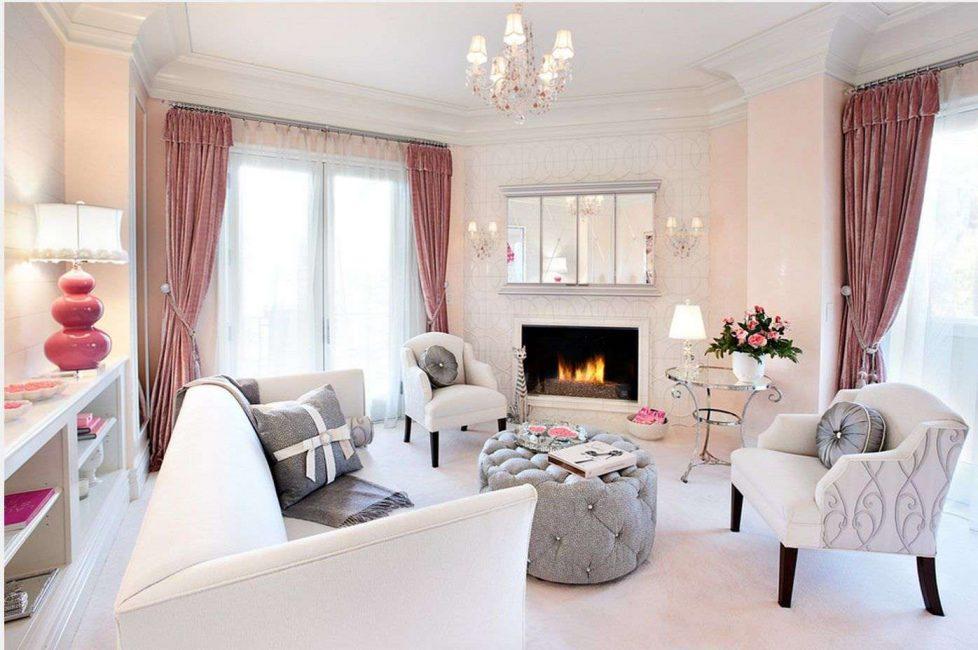 Просторная розово-белая гостиная