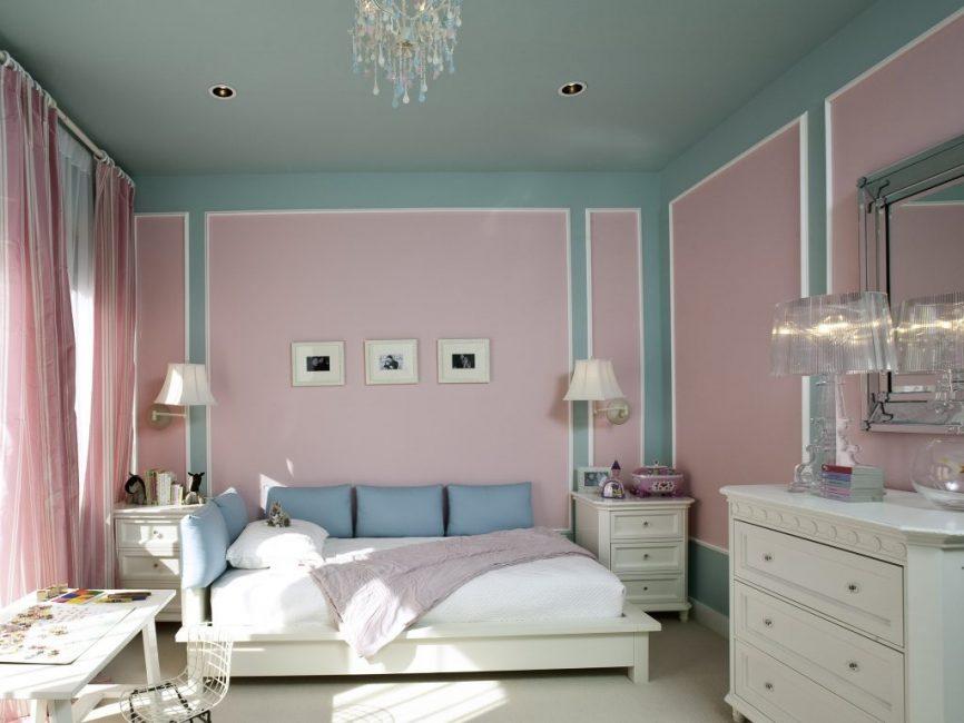 Разбавляем розовые стены серым цветом