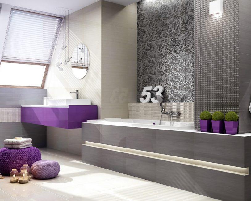 Ванная комната с цветными акцентами