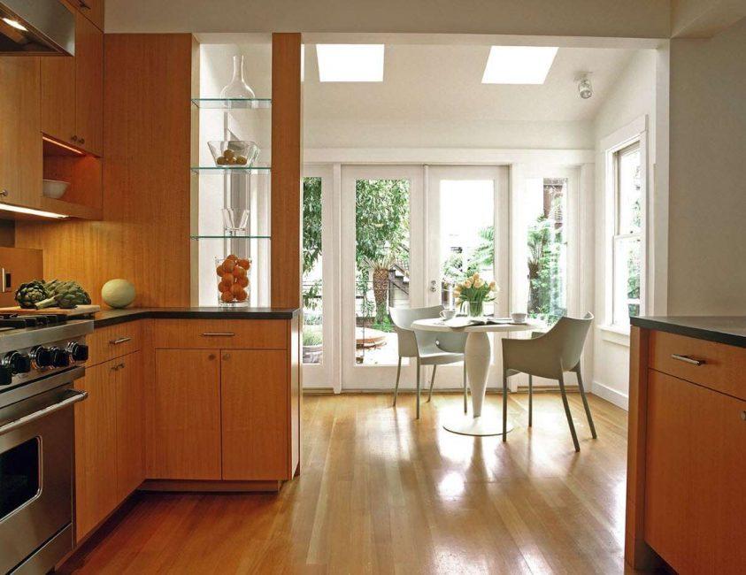 Кухня - хорошее место для таких конструкций