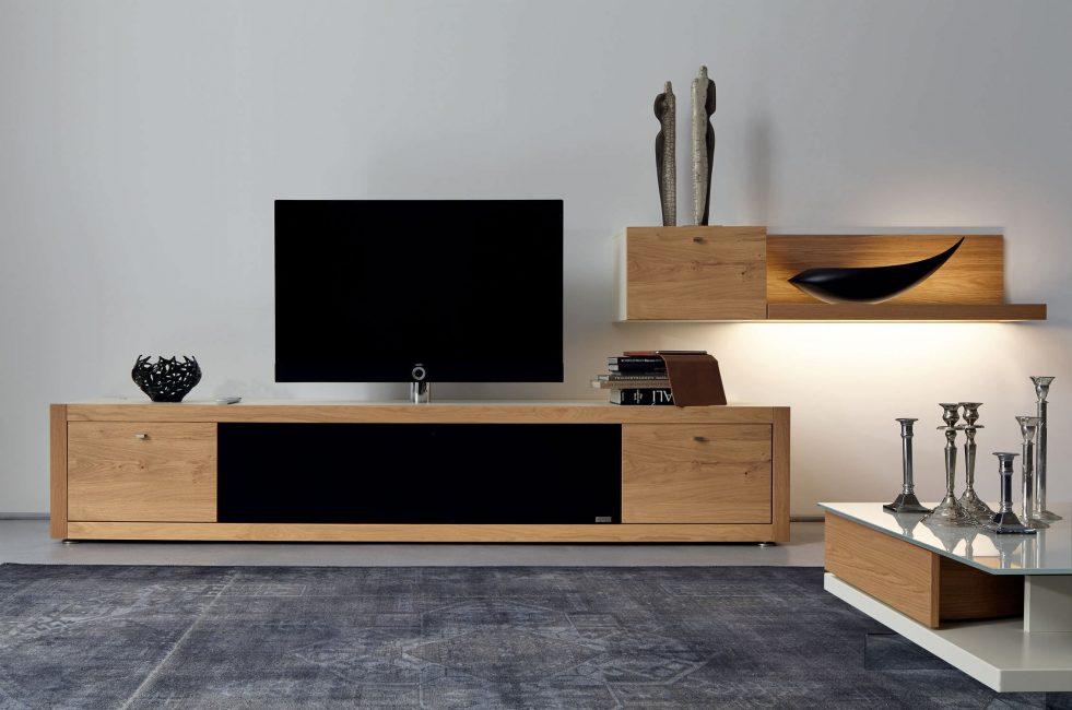 Избегайте окон по бокам телевизора