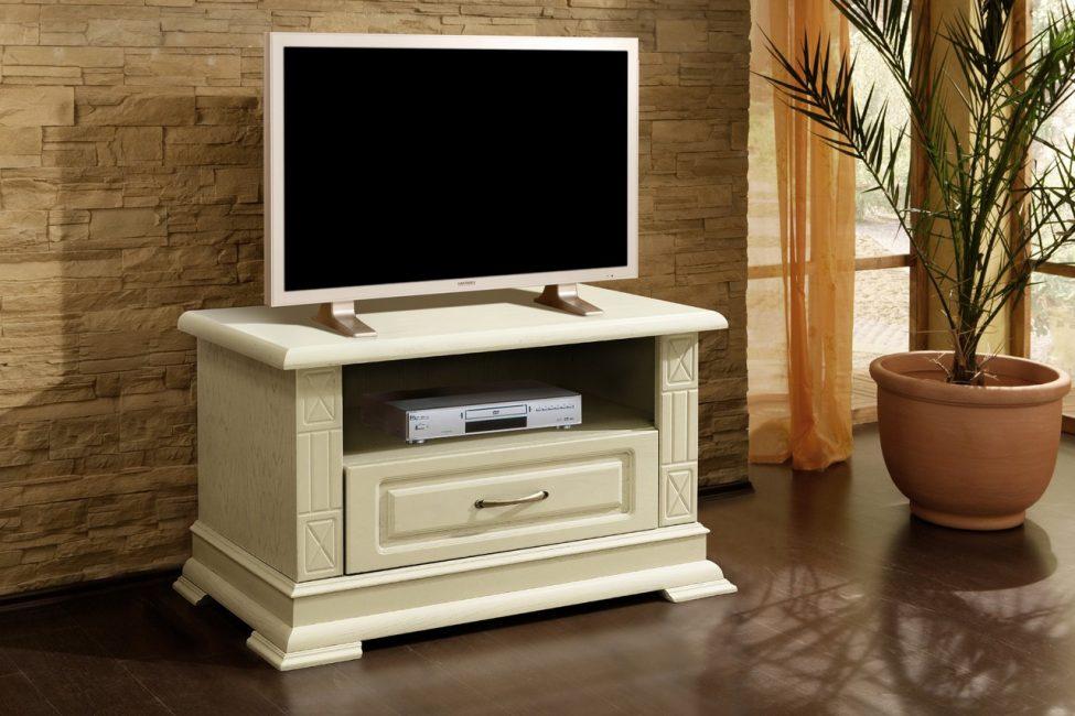 Цвет слоновой кости только добавляет шарму и красоты мебели