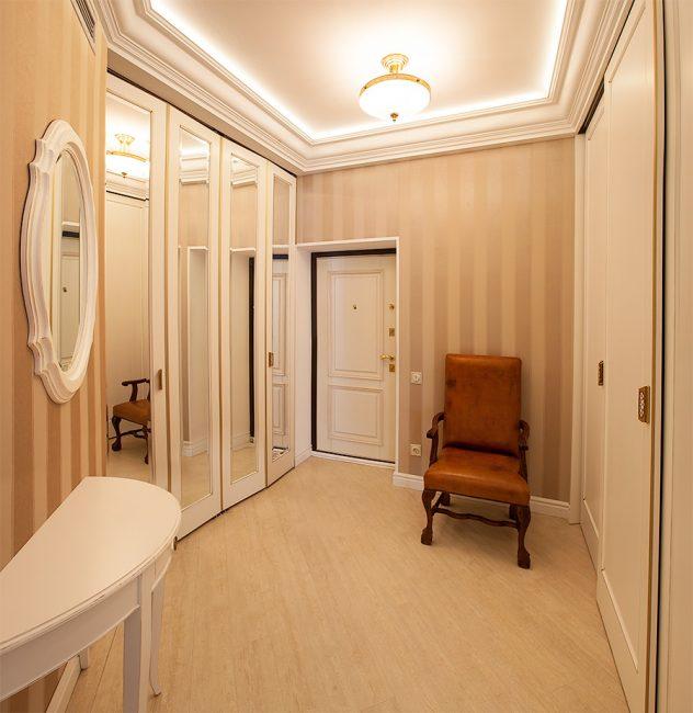 Встроенный шкаф увеличивает площадь комнаты
