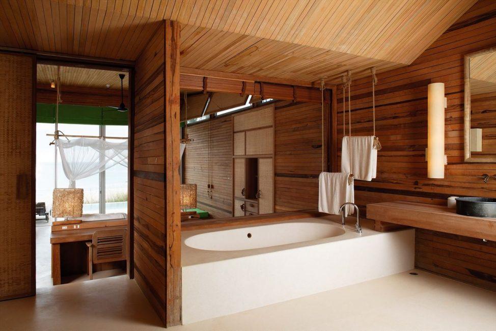 Для полов в ванной укладываются укрепленные доски