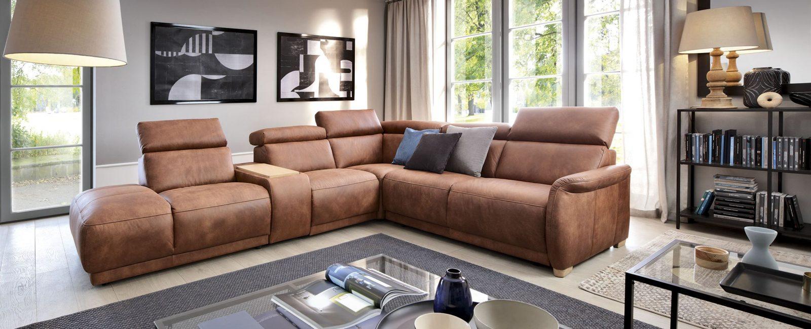 Стильный, кожаный диван