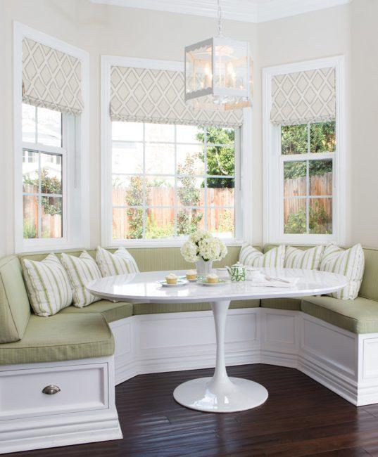 Ткань для сидения привносит текстурные изменения в пространство