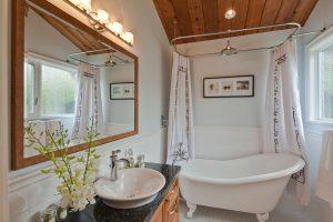 Реечный потолок в ванной комнате: 4 Шага к безупречному результату. Установка своими руками