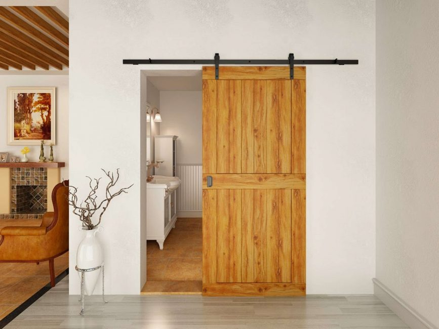 Сантехнические двери из массива подходят для влажной среды