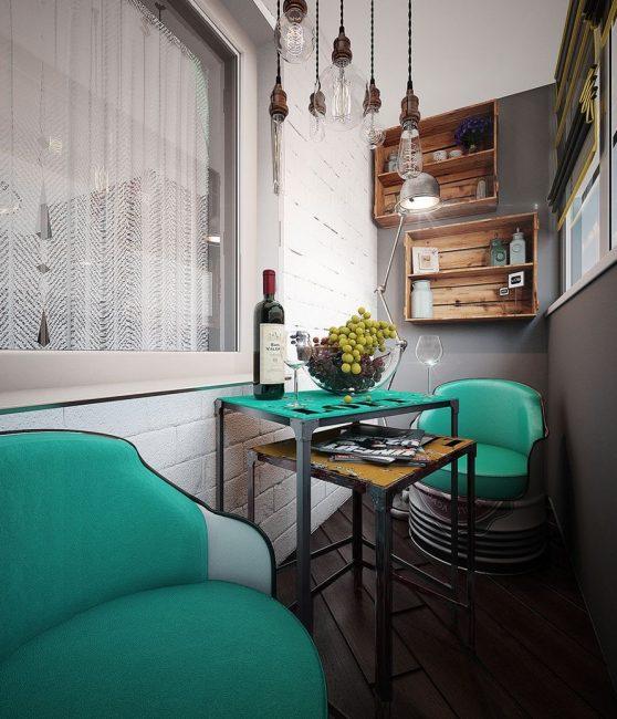 Обращайте внимание на стиль квартиры при оформлении балкона