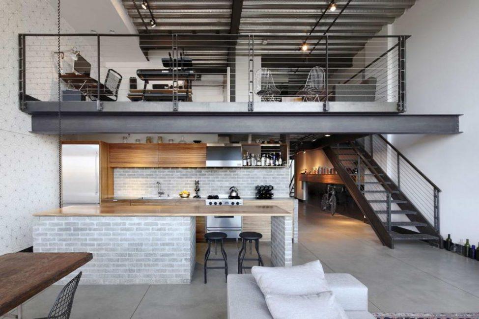 На полу линолеум либо бетон