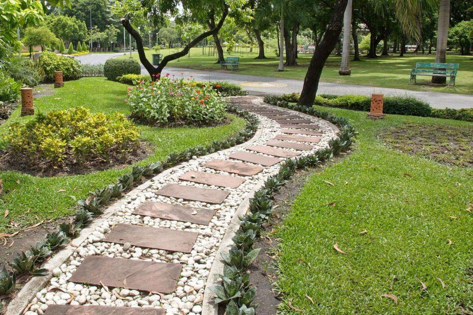 Садовые дорожки сделанные своими руками