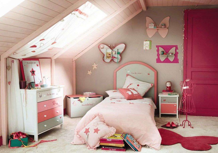 С насыщенно-розовым цветом поднимаем настроение