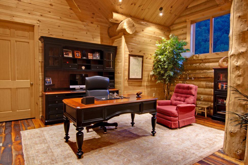 Оформление кабинета в загородном доме