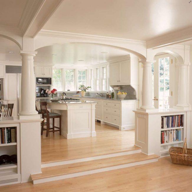 Прекрасная идея, которая разделяет гостиную и кухню