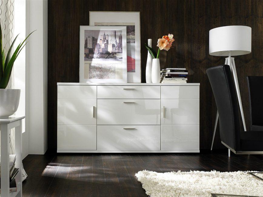 Многие боятся покупать такую светлую мебель
